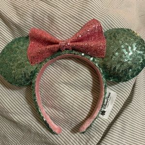 Minnie Mouse Ears Official